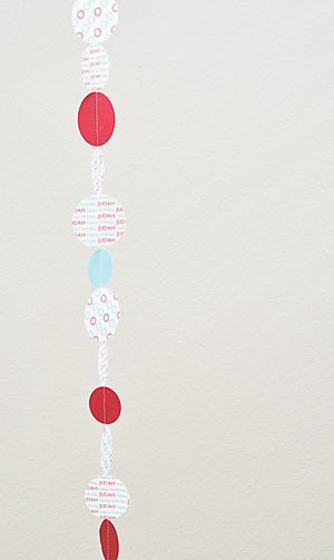 Baby j decoration paper chain 2