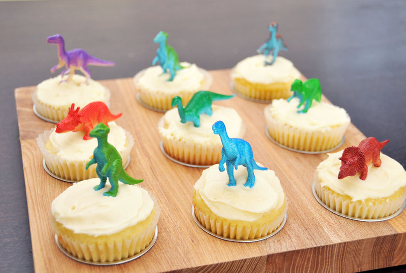 http://shimandsons.typepad.com/photos/uncategorized/2008/05/01/party_cupcakes.jpg