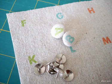 Alphabet_push_pins_500_3