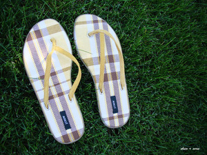 Yellow_sandals_500