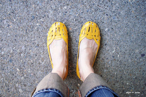 Yellow_shoes_500