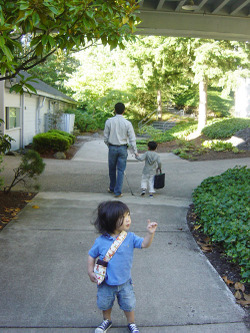 Walking_to_school_2