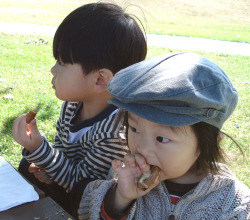Park_eating_2