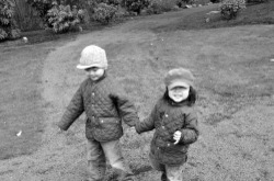 Boys_holding_hands_bw